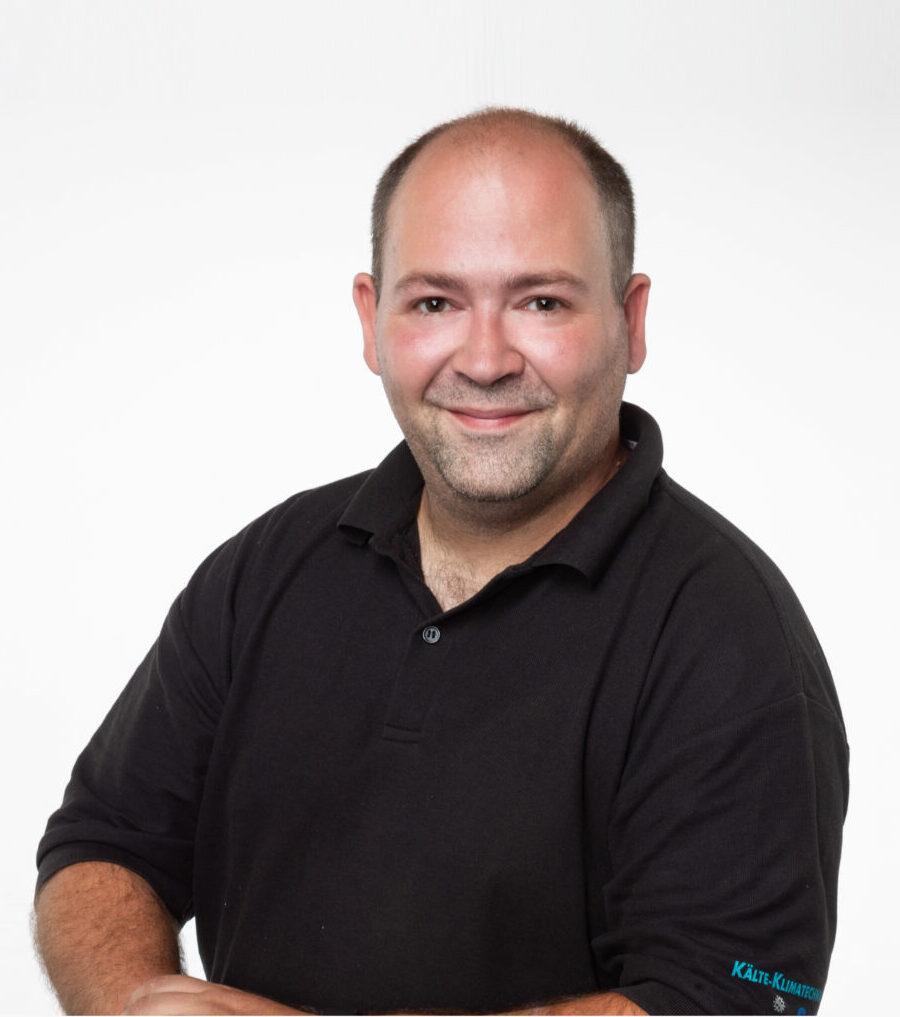 Uwe Wostl, Servicetechniker